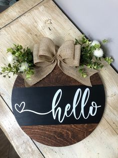 Fall Wood Signs, Diy Wood Signs, Wooden Door Signs, Wooden Doors, Welcome Signs Front Door, Front Door Decor, Plotter Cutter, Crafts To Do, Diy Crafts