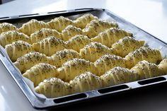 Bakery Recipes, Dessert Recipes, Cooking Recipes, Desserts, Kiflice Recipe, Bosnian Recipes, Kolaci I Torte, Salty Snacks, Best Food Ever