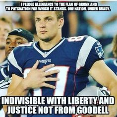 Gronk Funny Football Memes, Nfl Memes, Sports Memes, Football Humor, Funny Nfl, Soccer Humor, Sports Signs, Funny Sports, Funny Minion