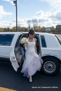 bride exiting the limo and entering the church
