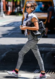 Say bye-bye to boring workout gear and opt for funky print á la Irina Shayk