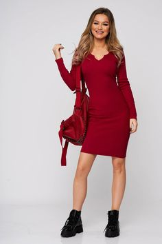 Fii ultra feminina in rochii din tricot, cu croi mulat si decolteu in V. Alege acest model super versatil si asorteaza-l cu botine sau cizme pana la genunchi. Fii, Dresses With Sleeves, Long Sleeve, Casual, Fashion, Tricot, Moda, Sleeve Dresses, Long Dress Patterns