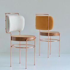 """1,499 Likes, 36 Comments - CASA CLAUDIA (@revistacasaclaudia) on Instagram: """"Com assento de palinha e madeira e estrutura de cobre, as cadeiras Iaiá, do designer Gustavo…"""""""