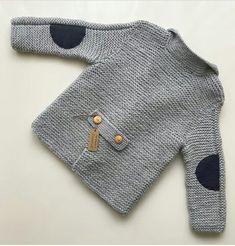 New knitting baby pullover boys ideas Baby Knitting Patterns, Baby Boy Knitting, Knitting For Kids, Crochet For Kids, Baby Patterns, Crochet Baby, Free Crochet, Baby Boy Cardigan, Knitted Baby Cardigan