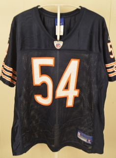 12f7dd64b10 You are buying a pre-owned NFL Reebok Chicago Bears Brian Urlacher youth size  large jersey.