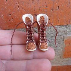 Boots esc 1:12 dollhouse