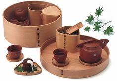 The round bent-wood wappa containers are made from straight-grained 280-year-old Japanese cedars harvested locally in Niigata Prefecture. They are meticulously handmade by the tenth generation bentwood master craftsman of Teradomari-machi.