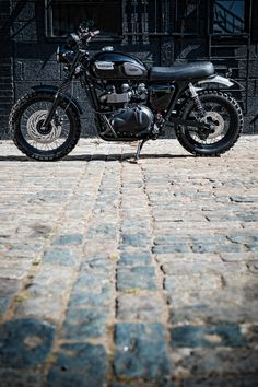 Orfeus Motors Classic Bike for hire Triumph Scrambler Photo credit http://www.addiechinn.com