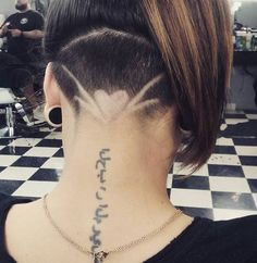 #undercut #heart #design #fadeshop #flyladies #sweetspot #tattoo #barberlife #barberhub #gratitude Much thanks to those who recommend us @fadeshop and thank you to those who show. @mellianne629