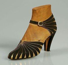 Art Deco shoe - 1930. Fabulous!! #artdeco