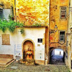 Portugal - Conheça o mais belo país da Europa  Fonte do Poeta , Rua da Judiaria- Lisboa  Foto: Paulo Almeida