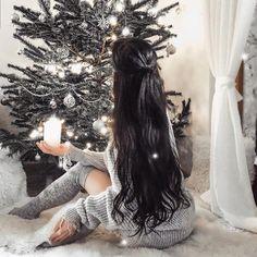 Fabolous 🎄😍 Er du ferdig med julegavene og klar til julen? Are you ready for Christmas 🎁❄ Credit:@majama.loves(Clip on 60 cm) Shop her ↘️ www.luxushair.com  #hairextensions #hair#hairstyle  #hairextensions#extensions#hair#hairgoals#longhair#hairstyle#hairstyles #color#humanhair#hairstylist#haircolor#hairsalon#hairfashion#hairoftheday#hairideas#tapehair#clipon#keratinhair #europeanhair#virginhair#beforeandafter#looking#remy#salon#head#quality#color#instahair Color Trends 2018, Hair Trends 2018, Purple Hair, Ombre Hair, Bad Hair Day, My Hair, Galaxy Hair, Keratin Hair, Extensions Hair