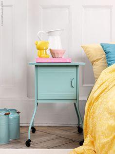 Table de chevet on pinterest bedside tables mobiles and - Tables de chevet ikea ...