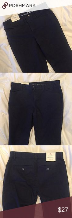 GAP Navy Pants These navy pants are from GAP and are super classic. They're straight legged, are mid rise, and they're slightly cropped. You can wear them to work or casually! Never been worn, tags are still on! GAP Pants Straight Leg