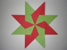 Kerstster maken Diy And Crafts, Paper Crafts, Arts Ed, Christmas Art, Poinsettia, Diy Cards, Origami, Projects To Try, Scrapbook