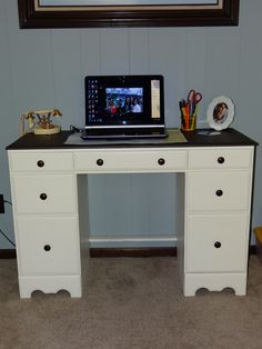10$ craigslist desk...refinished and I finally have a work space!!!