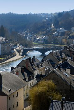 Deep in the Ardennes on a woodsy bend of the Semois River, the medieval town of Buillon has become increasingly popular with naturalists who come for fishing and foodies who come for the bone-warming Belgian food.