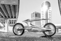 It looks like something out of The Jetsons, but this motorcycle is real—and cruising Buenos Aires streets. Meet 'Abandonen Toda Esperanza' by Castelli AFF. Futuristic Motorcycle, Motorcycle Bike, The Jetsons, Biker Clubs, Kill Switch, Technical Drawing, Space Exploration, Aluminum Wheels, Automatic Transmission