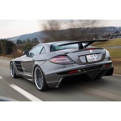 Mercedes Benz SLR McLaren, who else loves this fantastic design?