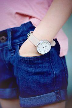 Kids Watch! #royalandbright  #chasinivy Girls Accessories, Daniel Wellington, Bright, Watch, Kids, Fashion, Young Children, Moda, Clock