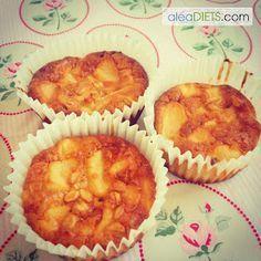 ¿Te apetece un dulce estando a dieta? Pues no te pierdas la receta de hoy: bizcochos de manzana y queso.