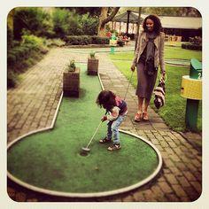 """Instagrammed door @joel ferdinandus: """"Met je #rotterdampas kom je nog eens ergens... #Midgetgolf"""""""