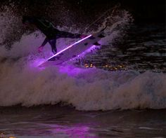 If It's Hip, It's Here: ✿☮❥•.¸¸ LED Surfboards Light Up The Ocean. ✿☮❥•.¸¸✿☮❥•.¸¸