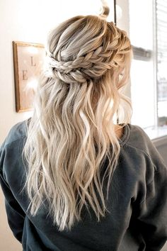 25 Simple And Trendy Half Up Half Down Wedding Hairstyle Ideas In 2019 - Page 14 of 25 Prom/Hoco Hair; Braid Styles For Long Or Medium Length Hair; Easy Hairstyles For Women;Half Down Half Up Hairstyle; Braid Half Up Half Down, Wedding Hairstyles Half Up Half Down, Down Hairstyles, Easy Hairstyles, Hairstyle Ideas, Hair Ideas, Half Braided Hairstyles, Hair Down With Braid, Hairstyles For Medium Length Hair Easy