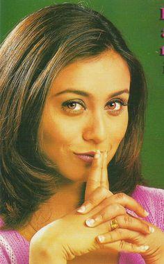 Rani Mukerji, Jennifer Winget, Old Actress, Bollywood Actors, Diva, Fashion Dresses, Abs, Actresses, Heroines