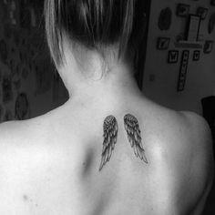 Tatouage dos ailes