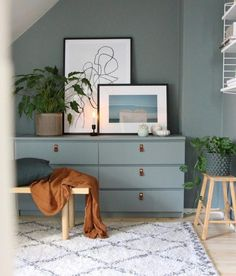 17 Awesome Ikea Malm Hacks that will Make your Day – james and catrin The Ikea MALM dresser is one of Ikea's most iconic pieces of furniture and as such, has been hacked repeatedly down the years. Ikea Bedroom, Bedroom Decor, Ikea Dorm, Bedroom Ideas, Budget Bedroom, Bedroom Inspiration, Ikea Malm Series, Ikea Malm Dresser, Dresser Desk