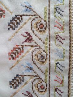 Cross Stitch Designs, Cross Stitch Patterns, Hand Embroidery, Elsa, Crochet, Fabric, Cross Stitch Embroidery, Towels, Ideas