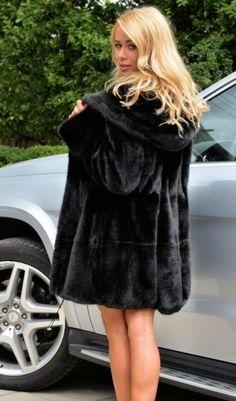 mink furs - royal saga mink fur coat with beautiful big hood Black Hood, Fabulous Furs, Fashion Guide, Mink Fur, Fur Fashion, Saga, Fur Coat, Romance, Jackets