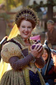 My Own Balls! - Deirdre Sargent as Queen Elizabeth - NorCalRenFaire