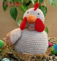 Crochet Gratis, Crochet Dolls, Crochet Chicken, Pli, Amigurumi Patterns, Free Pattern, Diy And Crafts, Dinosaur Stuffed Animal, Christmas Ornaments