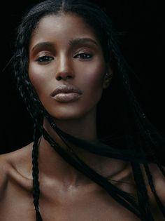 Black is beautiful Black Female Model, Black Models, Female Models, Pretty People, Beautiful People, Skin Girl, Female Character Inspiration, Dark Beauty, Natural Beauty