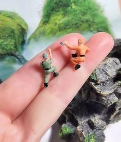 2 Miniaturen Klettern Mann perfekt für Miniatur-Terrarium oder Diorama wählen Sie Ihre individuelle Haarfarbe