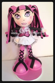 Handmade Fofucha foam Doll inspired in Monster High Draculaura. Fofucha doll made using foam sheets. Doll stands approx 10 inches. To purchase visit www.fofuchas.org or like us facebook.com/fofuchashandmadedolls #fofuchas #MonsterHigh #crafts