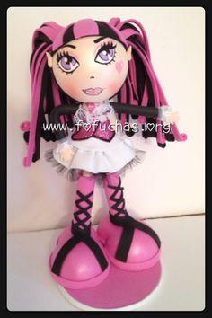 Handmade Fofucha foam Doll inspired in Monster High Draculaura. Fofucha doll made using foam sheets. Doll stands approx 10 inches. To purchase visit www.fofuchas.org or like us facebook.com/fofuchashandmadedolls #fofuchas #MonsterHigh #crafts