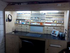 Impressive Build Your Own Garage Workbench Ideas. Irresistible Build Your Own Garage Workbench Ideas. Home Workshop, Garage Workshop, Painting Station, Hobby Desk, Hobby Shops Near Me, Hobby Tools, Space Crafts, Woodworking Bench, Working Area