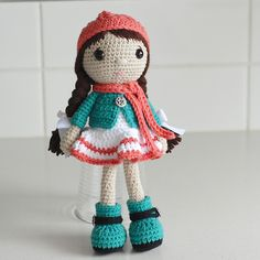 Ravelry: LisaMareeNZ's little girl in jacket and boots €5.50 EUR