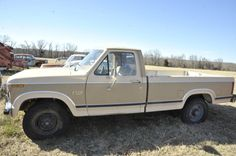 1982 Ford F250 Truck is a classic, so good they are still making them today... how cool would it be to own an original.