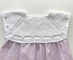 Patterns :: miloti and dot- Patrones :: miloti y punto Patterns - Baby Cardigan, Knit Baby Dress, Knit Baby Sweaters, Knitted Baby Clothes, Baby Knits, Knitting For Kids, Baby Knitting, Tricot Baby, Baby Kimono