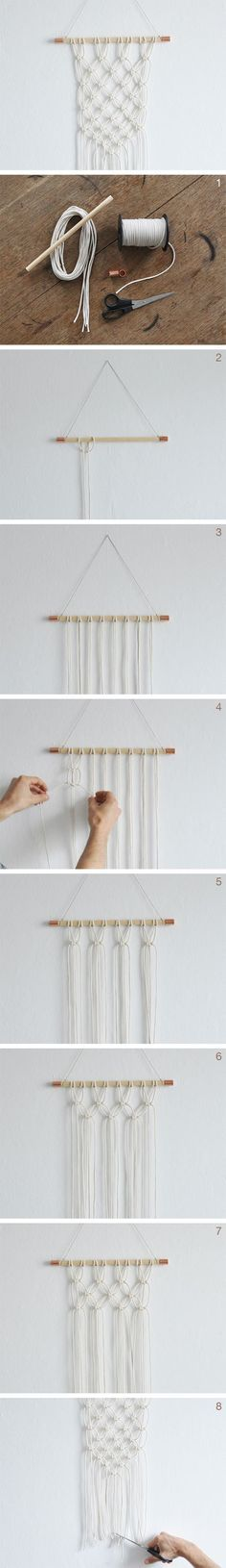 DIY Anleitung: DIY: Makramee Wandteppich knüpfen // free DIY tutorial: how to make a macrame wall hanging via Macrame Projects, Craft Projects, Ideias Diy, Macrame Knots, Diy Macrame, Diy Décoration, Diy Wall, Wall Decor, Wall Art