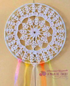 Mandala / Atrapasueños al crochet (Sweet & Soft) Crochet Dreamcatcher Pattern, Crochet Doily Patterns, Thread Crochet, Diy Crochet, Crochet Doilies, Crochet Flowers, Crochet Stitches, Mandala Crochet, Dream Catcher Mandala