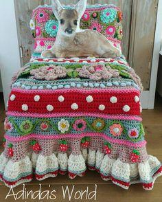 Risultati immagini per adinda zoutman crochet Crochet Mandala, Freeform Crochet, Crochet Motif, Crochet Shawl, Crochet Stitches, Crochet Patterns, Crochet Home, Love Crochet, Crochet Yarn