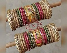 Chuda Bangles, Kundan Bangles, Gold Jhumka Earrings, Bridal Bangles, Thread Bangles Design, Silk Thread Bangles, Gold Bangles Design, Indian Bridal Jewelry Sets, Wedding Jewelry