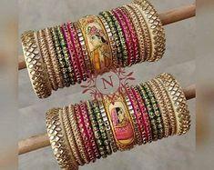 Kundan Bangles, Gold Jhumka Earrings, Bridal Bangles, Antique Jewellery Designs, Fancy Jewellery, Thread Jewellery, Bridal Jewellery, Jewelry Design, Thread Bangles Design