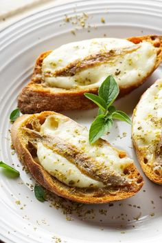 Sophia Loren's crostini-mozzarella-ansjovis (2)