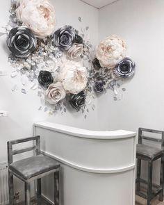 85 отметок «Нравится», 7 комментариев — Wow_paperflowers (@wow_paperflowers) в Instagram: «Оформление магазина @butterfly_krimsk здесь вы можете подобрать для себя Любой образ !!!Очень…»